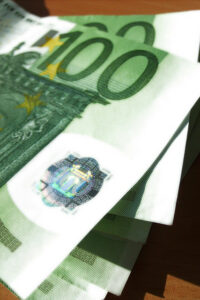 Lakimuutos säästäisi opetussektorin rahojakin. Kuva: viZZZual.com@Flickr